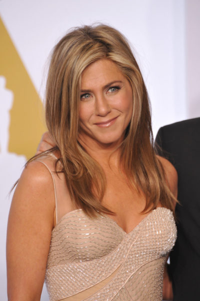 Jennifer Aniston with LONG STRAIGHT BLONDE hairstyle at the 87th Annual Academy Awards 2015.