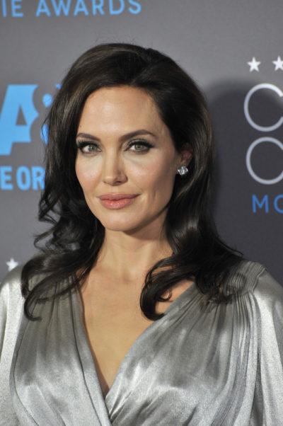 Angelina Jolie's wavy hair at the 20th Annual Critics' Choice Movie Awards 2015.