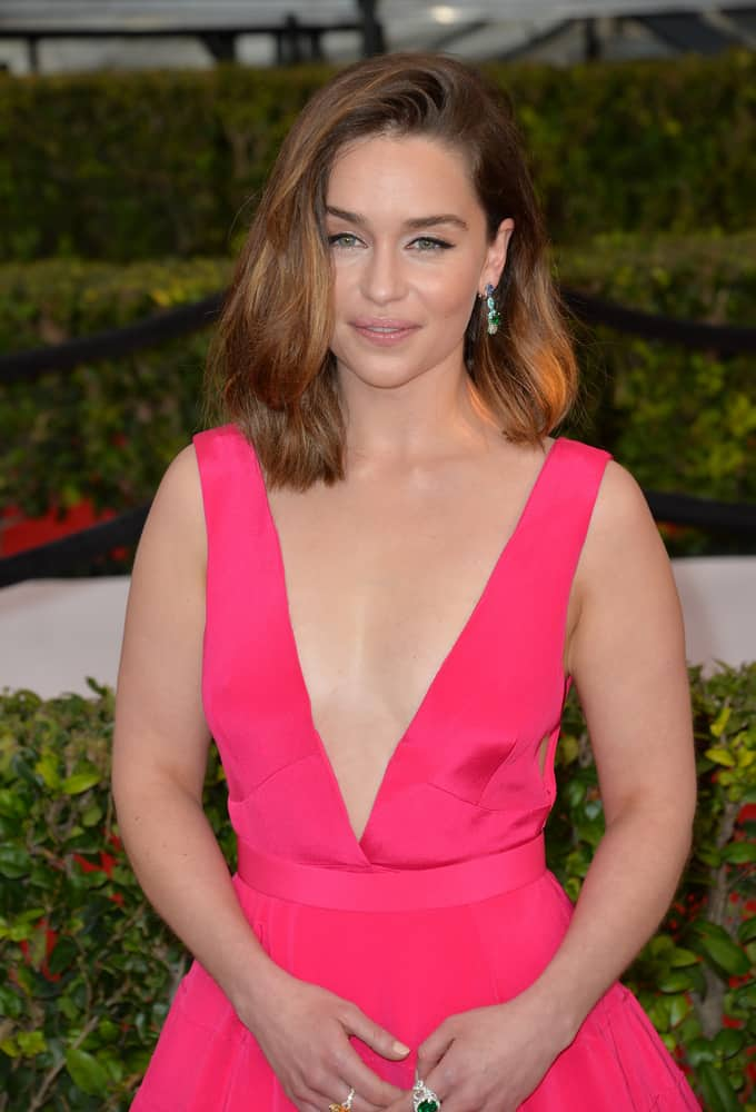 Emilia Clarke with her medium length hairstyle at the 22nd Annual Screen Actors Guild Awards 2016