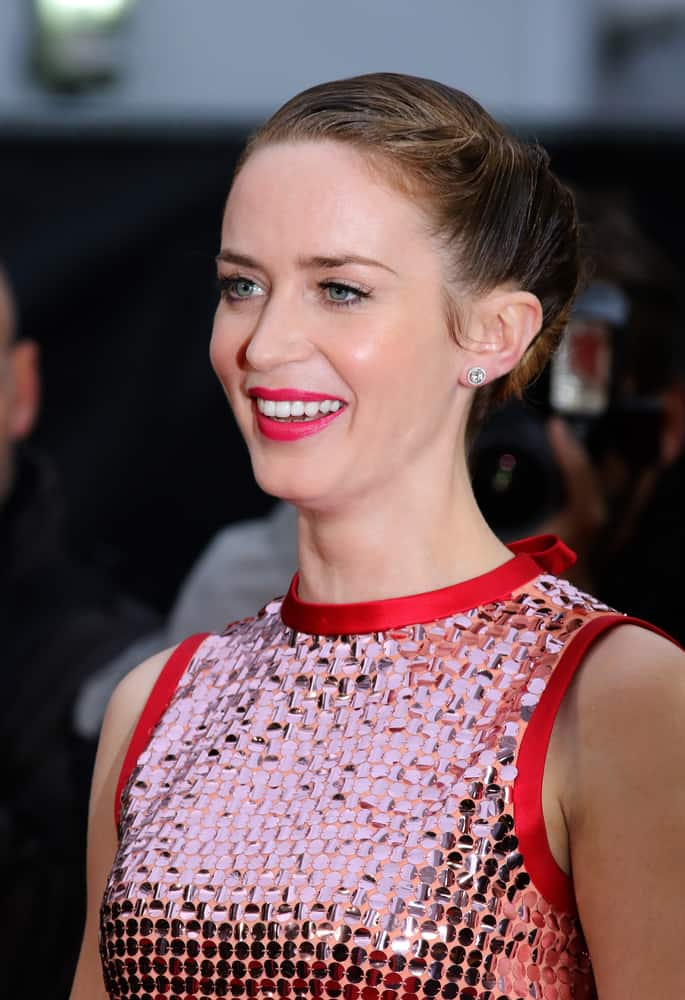 Emily Blunt with her up-styled long brunette hair at Sicario film premiere 2015