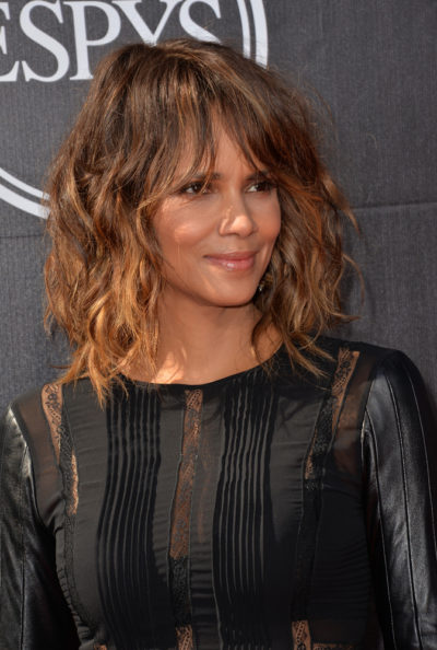 Halle Berry with her bob cut wavy hair at the 2015 ESPY Awards.