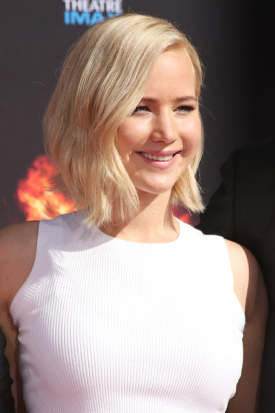 "Jennifer Lawrence with her bob cut hair at the ""The Hunger Games"" hand print and footprint ceremony 2015."