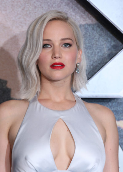 Jennifer Lawrence in her dyed-white hair at the X-men: Apocalypse- UK fan screening 2016.