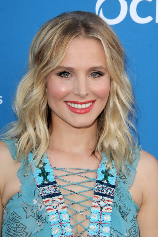 Kristen Bell with wavy hair at the Wallis Annenberg Center for the Performing Arts 2015.