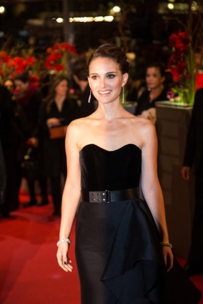Natalie Portman with her long brunette upstyle hair at the premiere of the 'Knight of Cups'  2015.