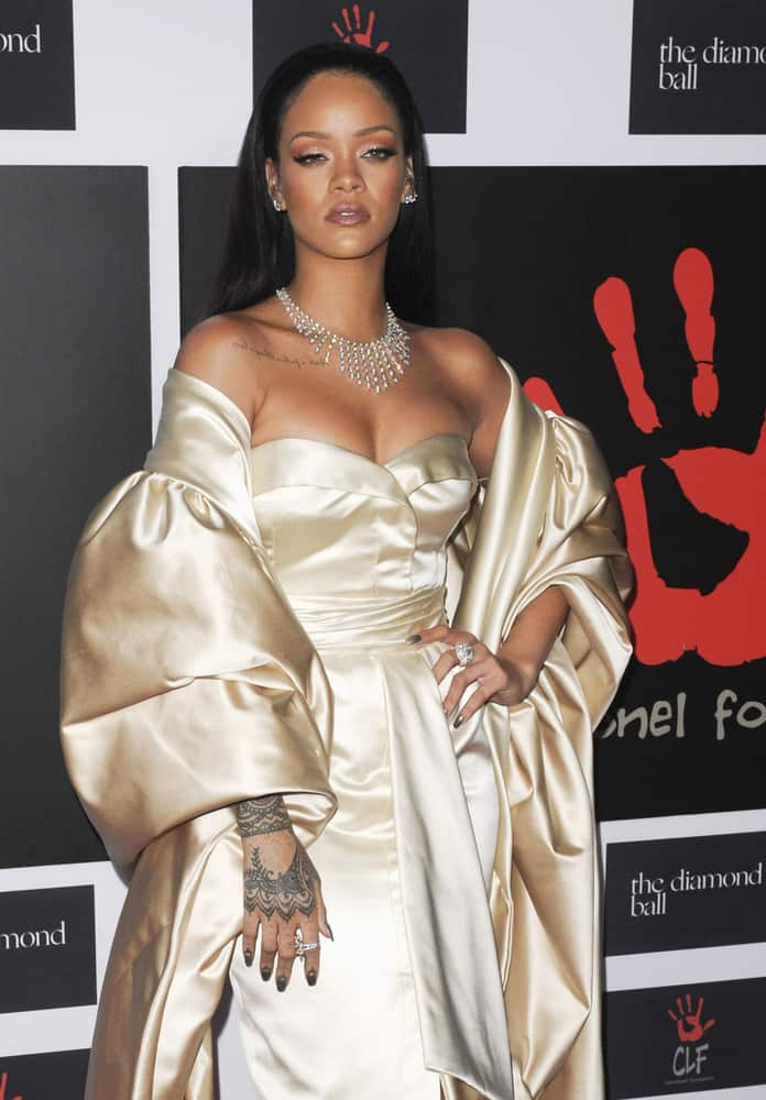 Rihanna with a black long hair at the 2nd Annual Diamond Ball 2015.