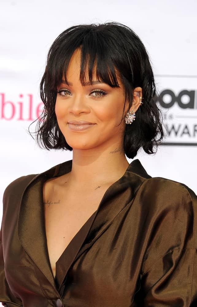 Rihanna with a bob-cut hairstyle at the 2016 Billboard Music Awards.