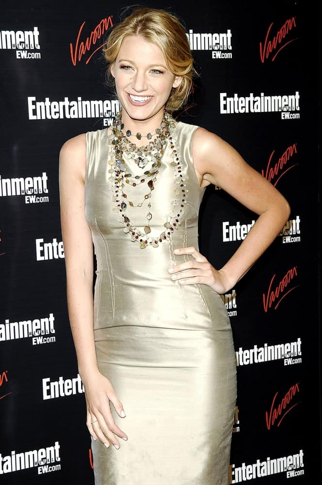Blake Lively flashed her gorgeous smile in a Dolce & Gabbana dress and loose half-up hairstyle at the May 13, 2008 Entertainment Weekly & Vavoom Network TV Upfront Party, Bowery Hotel in New York.
