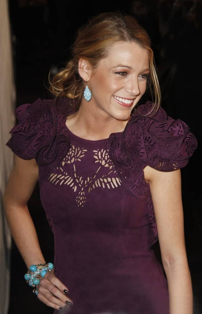 Wearing a deep purple dress and messy low bun hairstyle, Blake Lively attended the 2011 National Board of Review of Motion Pictures Gala at Cipriani's last January 11, 2011 in New York City.
