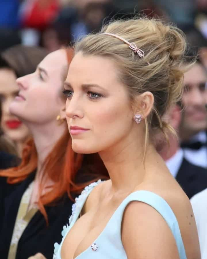 Blake Lively wore a beautiful light blue gown that complemented her messy upstyle hairstyle accessorized with a cute headband during the 69th annual Cannes Film Festival back in May 13, 2016 in Cannes, France.