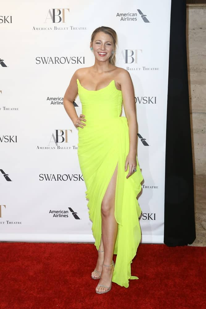 Blake Lively's canary yellow sexy dress wowed everyone along with her highlighted and tousled low ponytail at the American Ballet Theatre 2017 Spring Gala back in May 22, 2017 in New York City.