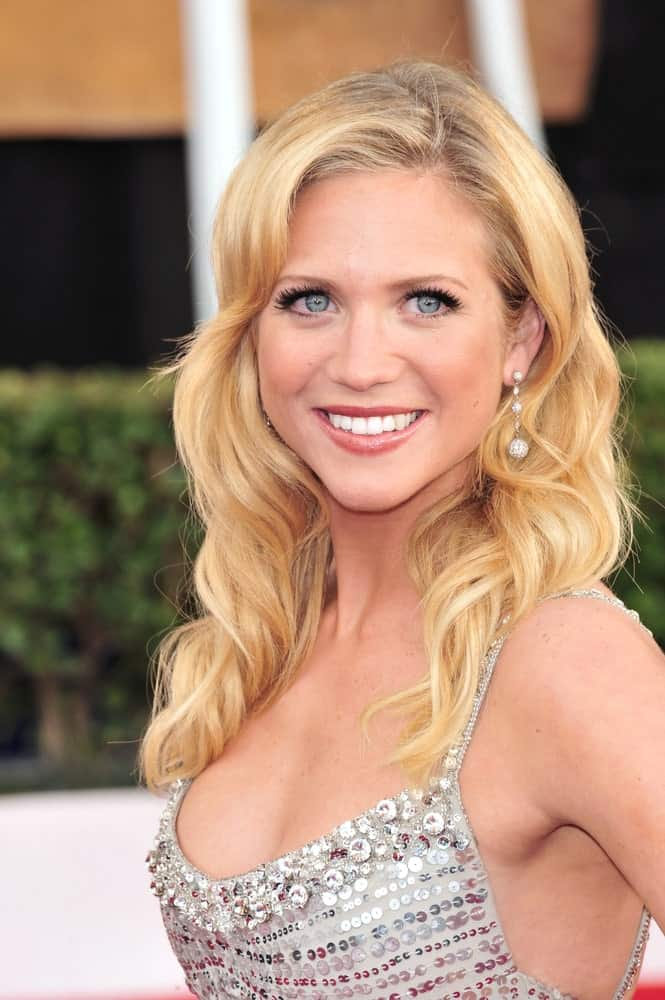 Brittany Snow was at the 14th Annual Screen Actors Guild Awards at the Shrine Auditorium, Los Angeles, CA on January 27, 2008. She paired her silvery dress with a long and layered blonde hairstyle with curls and a slight tousle.