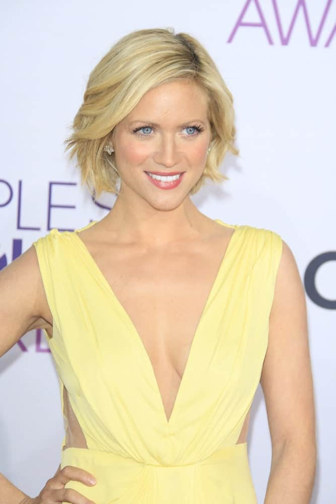 Brittany Snow was at the 39th Annual People's Choice Awards at Nokia Theater L.A. Live on January 9, 2013 in Los Angeles, California. She was stunning in a yellow dress that she paired with her snady blonde chin-length hairstyle that is tousled and layered.