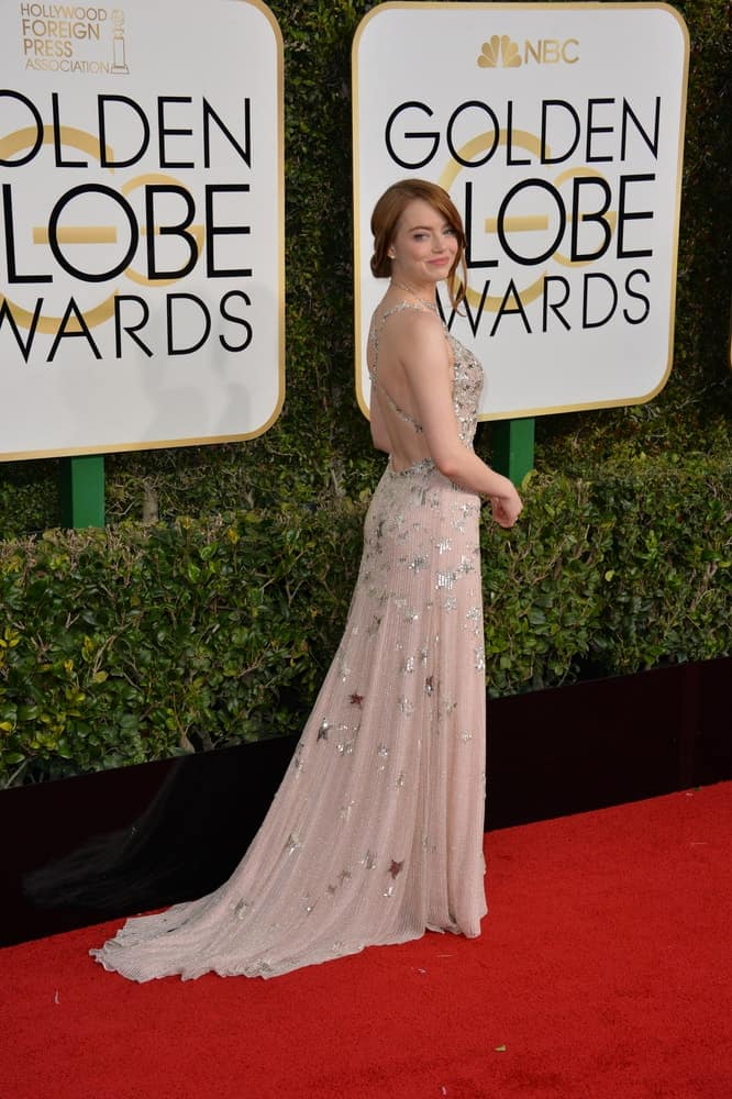 On January 8, 2017, Emma Stone showcased her poise and charm with a gorgeous long dress and a loose half-up hairstyle at the 74th Golden Globe Awards at The Beverly Hilton Hotel, Los Angeles.