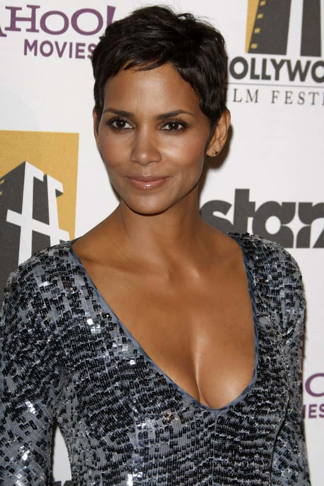 Halle Berry was quite classy in her shiny sequined dress and side-parted pixie hairstyle when she arrived at the 14th Annual Hollywood Awards Gala at Beverly Hilton Hotel on October 25, 2010 in Beverly Hills, CA.