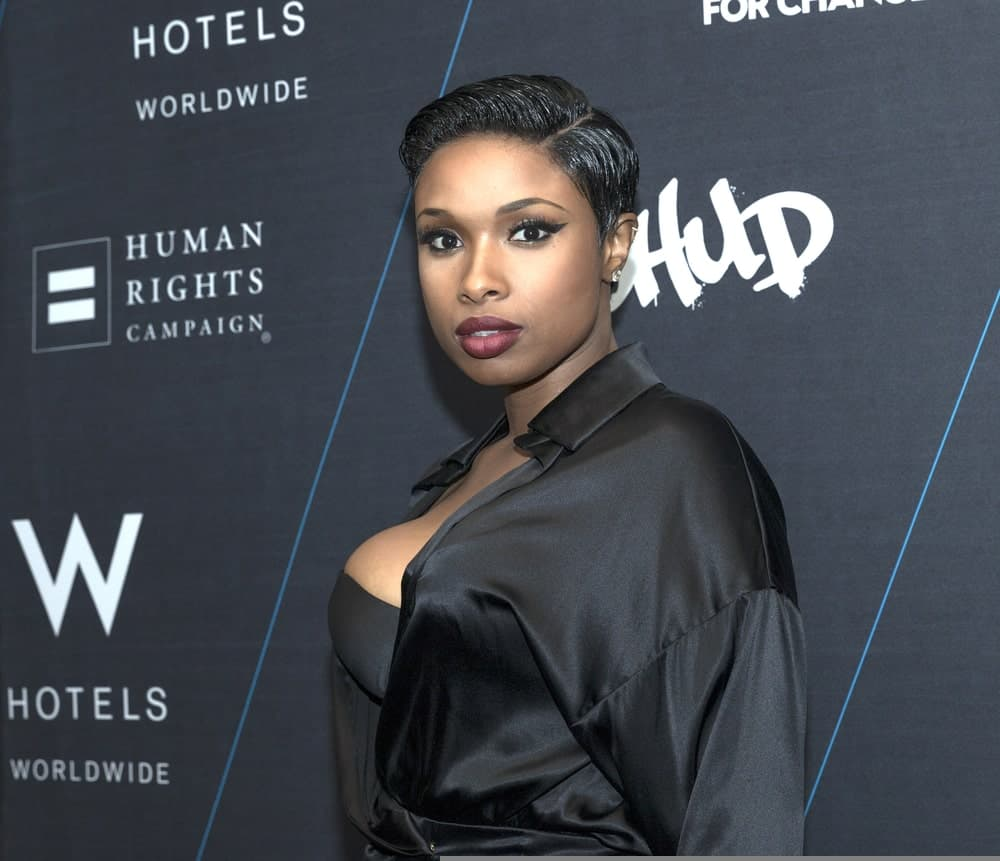 On October 21, 2014, Jennifer Hudson attended the W Hotels TURN IT UP FOR CHANGE Ball at W Union Square. She was sexy and stunning in a black outfit to match her slick side-parted raven pixie hairstyle.