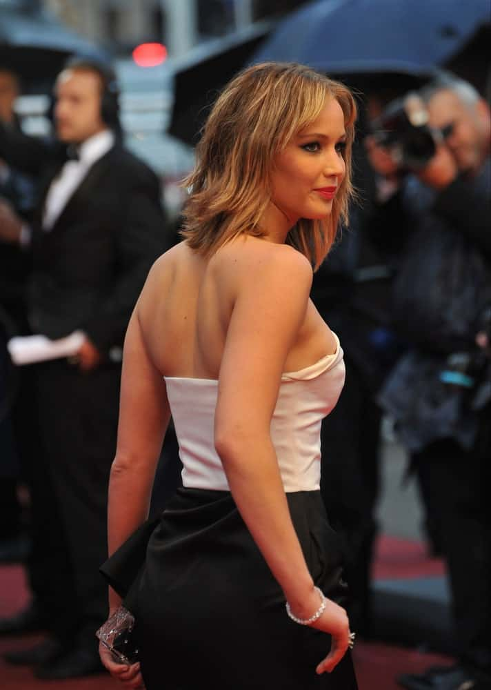 On May 18, 2013, Jennifer Lawrence attended the gala premiere of