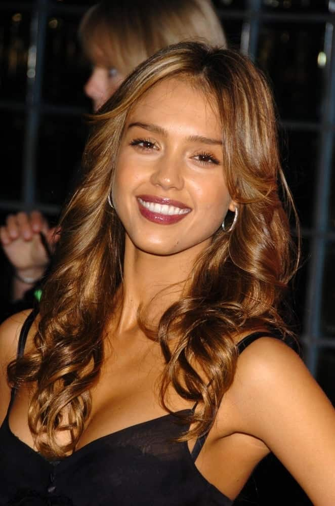 Jessica Alba was quite stunning in her sexy outfit and long and tousled curly dark hairstyle with layers and side bangs at the US Weekly Hot Hollywood Awards at Republic Restaurant and Lounge on April 26, 2006 in West Hollywood, CA.