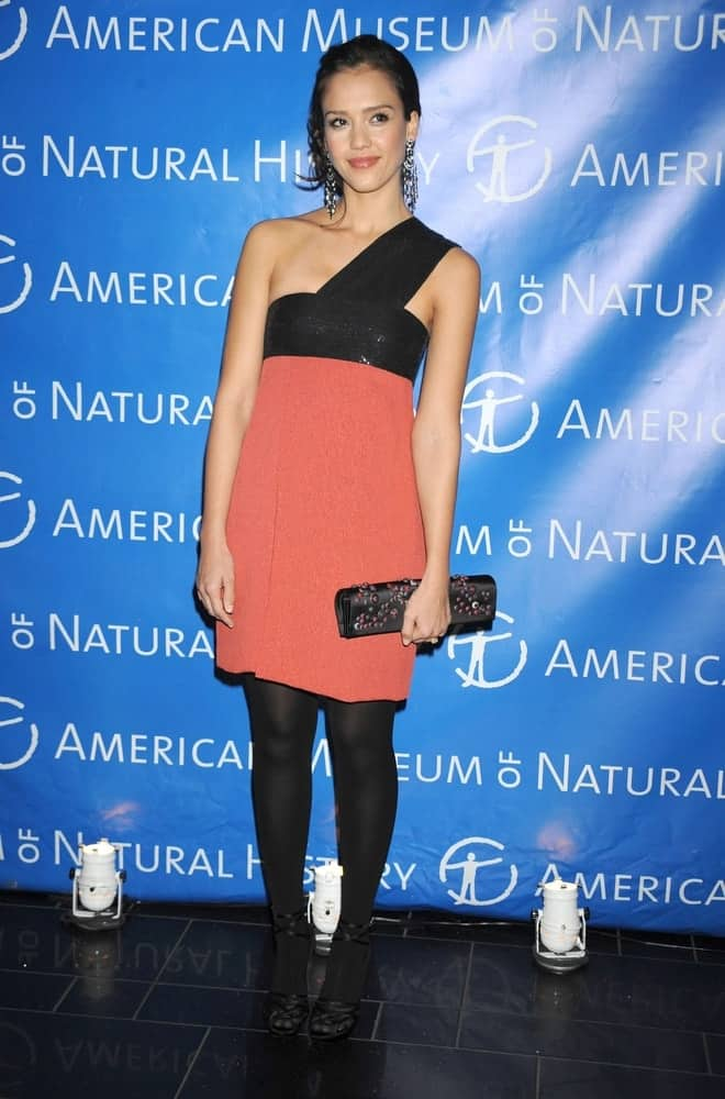 Jessica Alba wore a Narciso Rodriguez dress with a Roger Vivier clutch and a messy raven bun hairstyle with a slick finish at the 2009 American Museum of Natural History dance in the Museum of Natural History, New York on March 26, 2009.
