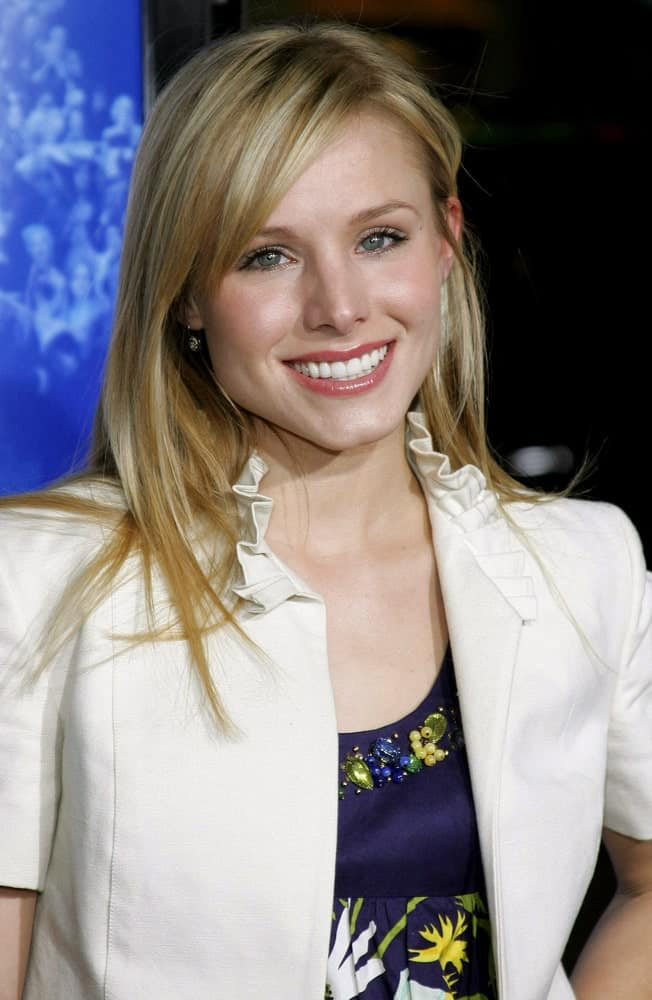 Kristen Bell opted for a simple straight hairstyle with side bangs during the Los Angeles Premiere of