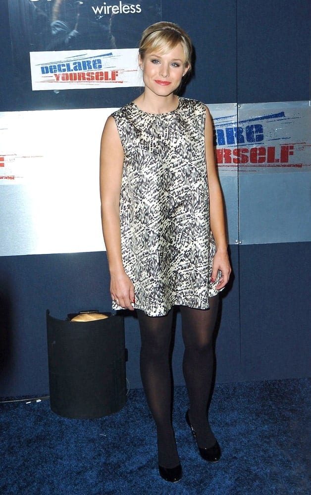 Kristen Bell looking all cute and sweet in a patterned short dress along with a neat upstyle that's incorporated with bangs and a headband during the Launch of Hollywood DECLARE YOURSELF Celebrates 18 on September 27, 2007.