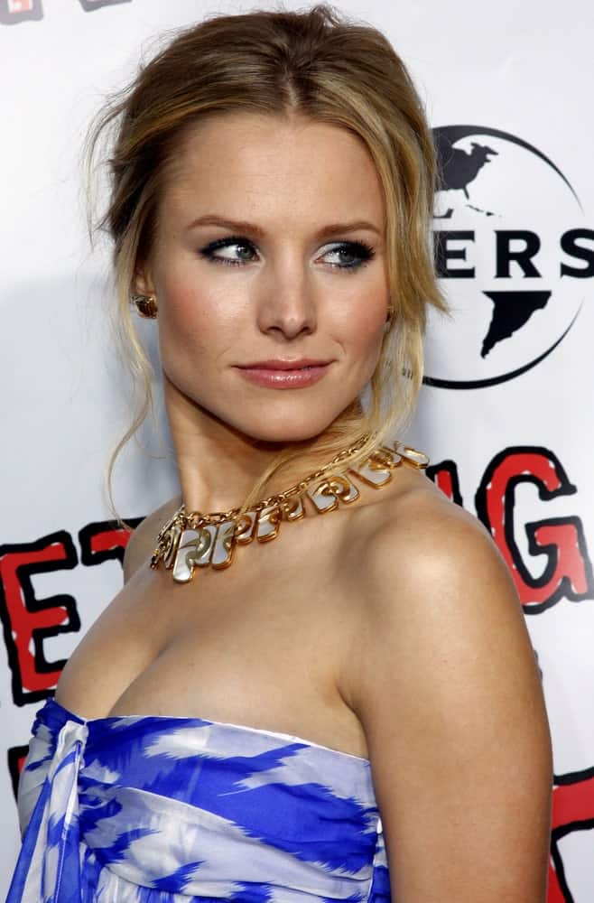 Kristen Bell looked ravishing in a blue patterned tube dress paired with a messy upstyle at the World Premiere of