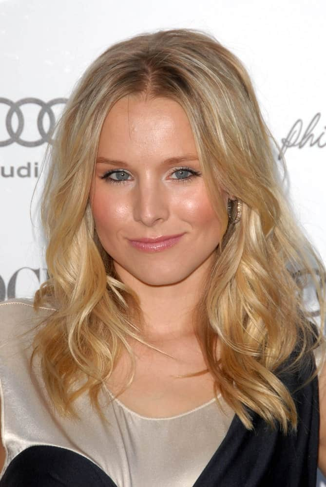 Kristen Bell exhibited her long highlighted waves at the 3.1 Phillip Lim Los Angeles Store One Year Anniversary Party last July 15. 2009 in West Hollywood, CA.