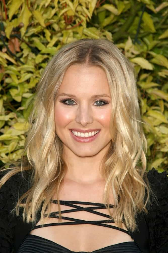 Kristen Bell with her long beach waves that she paired with a black string dress at the 35th Annual Saturn Awards on June 24, 2009, in Castaway Restaurant, Burbank, CA.
