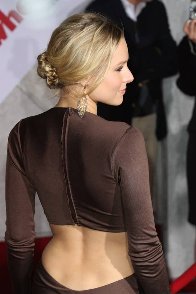 Kristen Bell in a sexy brown dress that she paired with a messy braided bun at When In Rome premiere on January 27, 2010, at the El Capitan Theatre in Hollywood, California.