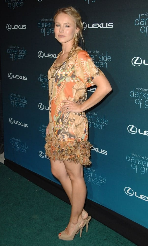 Kristen Bell arrived for THE DARKER SIDE OF GREEN Debate at the Palihouse Holloway, West Hollywood, CA on July 8, 2010. She wore a short printed dress along with a fishtail braid hairstyle that's incorporated with loose tendrils.