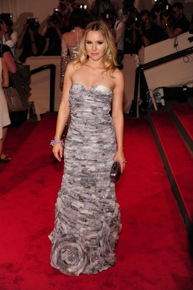Kristen Bell wearing a Diane von Furstenberg gown that complements her mid-length waves at the American Woman Fashioning a National Identity Benefit Gala Co-Hosted by GAP for the Costume Institute held last May 3, 2010.