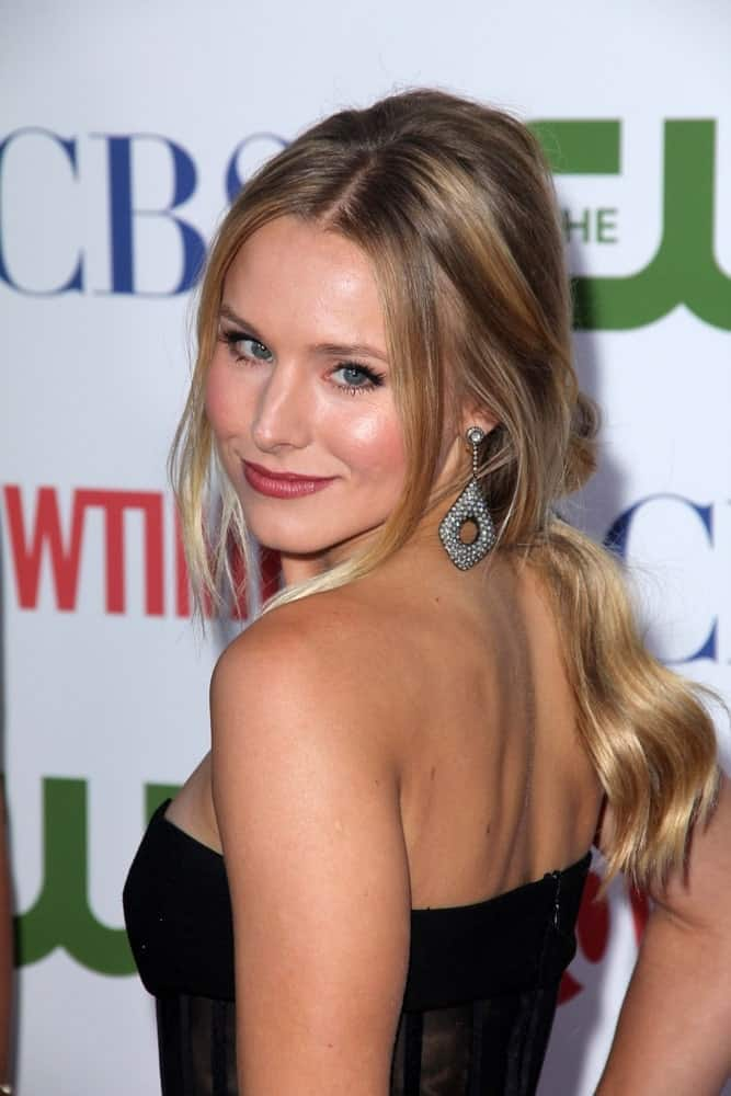 Kristen Bell showed off her loose wavy ponytail with long side tendrils during The CW And Showtime TCA Party at the CBS on August 3, 2011.