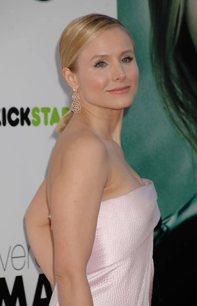 Kristen Bell with her highlighted blonde locks gathered in a low ponytail during the