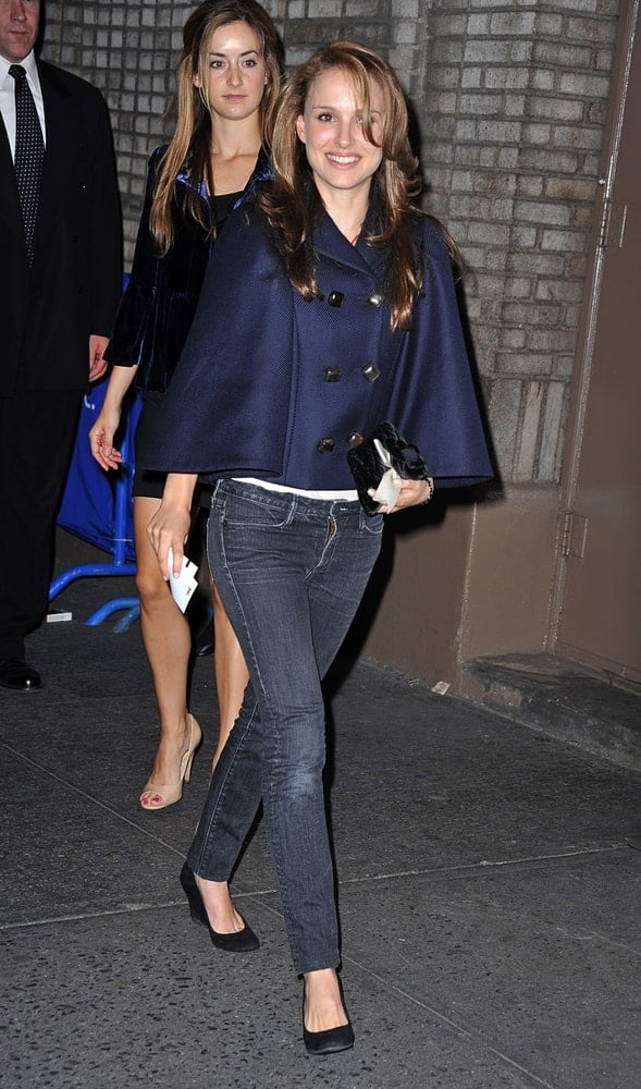 Natalie Portman wore a Ferragamo jacket on her casual outfit when she attended the HAMLET Opening Night in Broadway, Broadhurst Theatre, New York, NY on October 6, 2009. She paired this with a loose and tousled brown hairstyle with layers and side-swept long bangs.