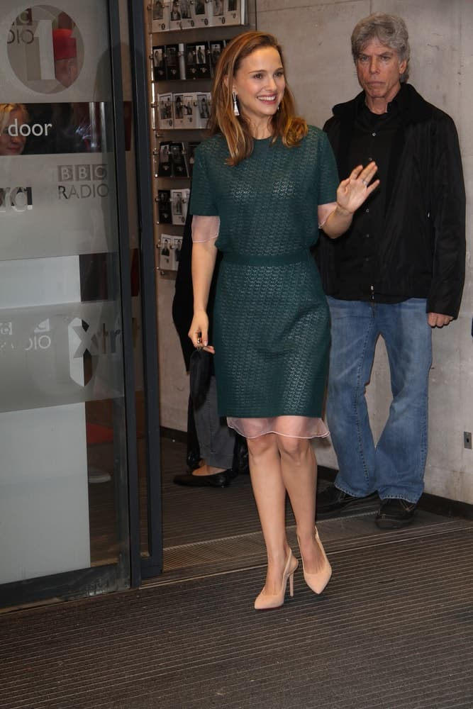 Natalie Portman looked amazing in her green smart casual outfit and loose long brown hair with a side-parted finish when she was seen at the BBC one studios on Oct 22, 2013 in London.