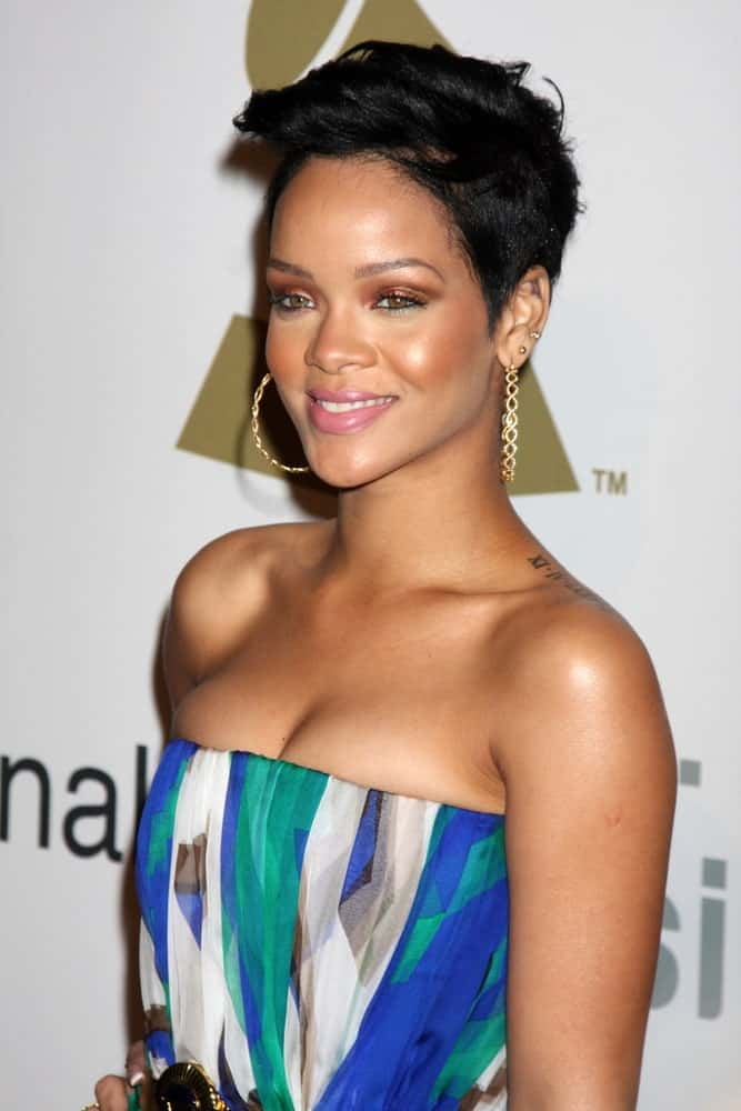 Rihanna was at the Pre-Grammy Party honoring Clive Davis at the Beverly Hilton Hotel in Beverly Hills, CA on February 7, 2009. She was lovely in her colorful dress that paired well with her neat black side-swept pixie hairstyle.