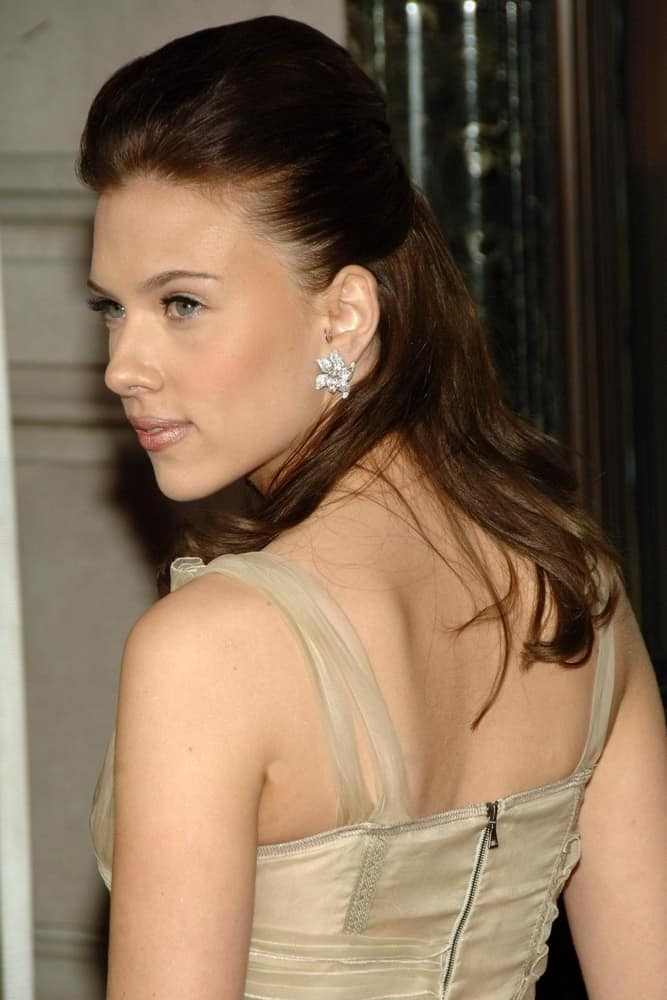 Scarlett Johansson went for a vintage look to her nude dress and dark half-up hairstyle at the CARTIER Declare Your LOVE Day VIP Cocktail Reception, Cartier store in New York, NY on June 08, 2006.