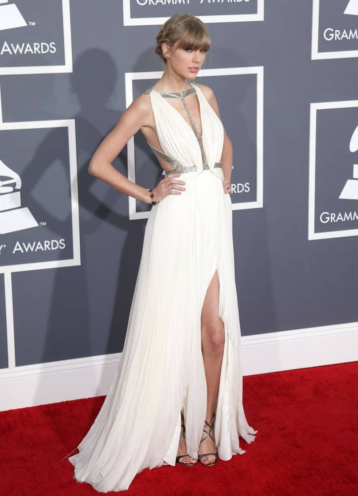 The singer-songwriter looked sophisticated in a neat updo combined with a thin halo braid and bangs. This look was worn at the 2013 Grammy Awards held on February 13th.