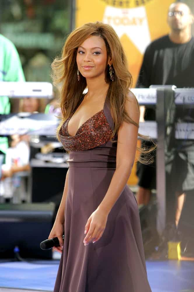 Beyonce looking all classy and elegant with her long loose waves at the NBC Today Show Concert Series with Destiny's Child at Rockefeller Center, New York, NY on July 29, 2005.