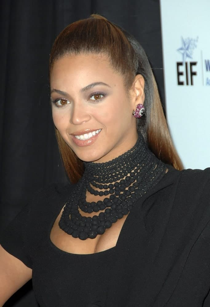 Beyonce Knowles rocked a slicked half updo during the Unforgettable Evening Benefiting Entertainment Industry Foundation's Women's Cancer Research Fund on February 10, 2009.