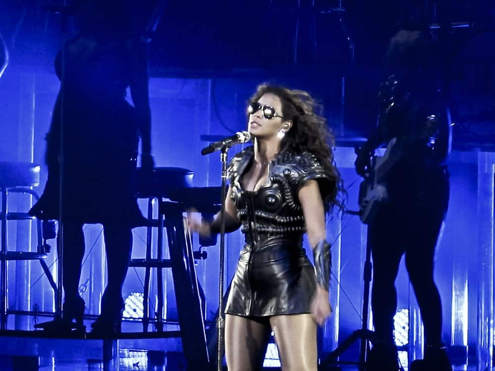 Beyonce performing to a packed Rod Laver Arena in the first Australian show of her 2009
