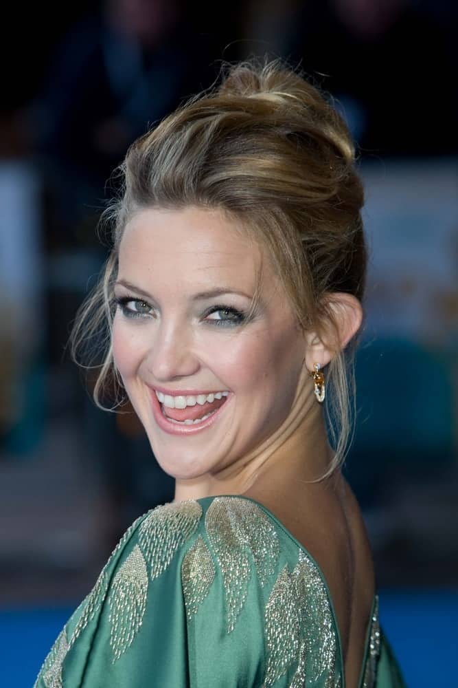 Kate Hudson wore a green dress to match with her messy high bun hairstyle with loose tendrils and highlights at the European Premiere of 'Fool's Gold' held at the Vue cinema, Leicester Square in London on April 10, 2008.