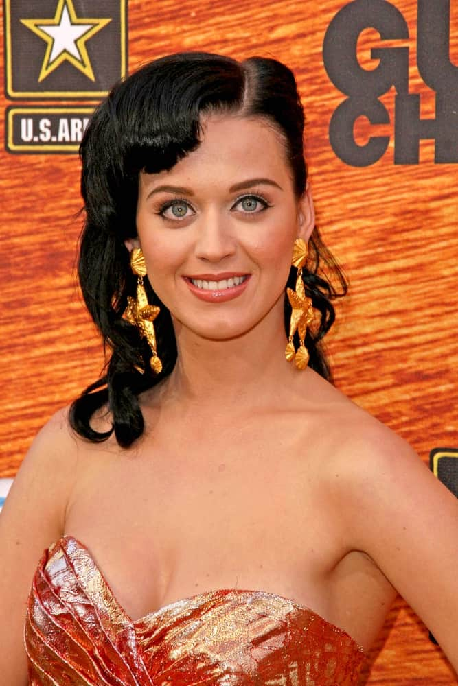 Katy Perry opted for side-parted curls with her bangs chopped roughly during the Spike TV's 2nd Annual Guys Choice Awards on May 30, 2008.