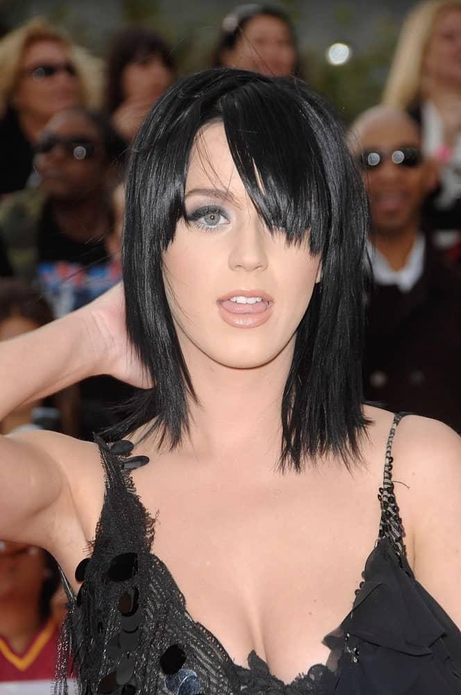 During Michael Jackson's THIS IS IT Premiere at Nokia Theatre LA LIVE, Los Angeles on October 27, 2009, Katy Perry had shoulder-length straight hair incorporated with long side bangs.
