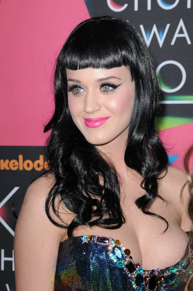 Katy Perry sported her long raven curls with short blunt bangs at the Nickelodeon's 23rd Annual Kids' Choice Awards held on March 27, 2010.