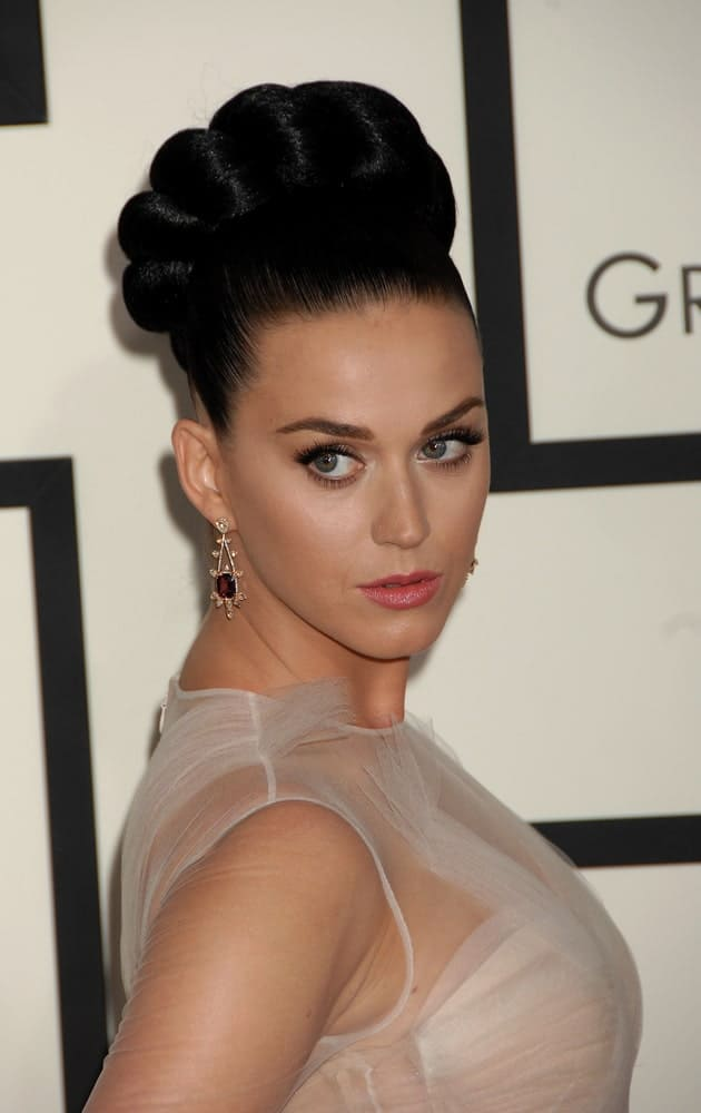 Katy Perry tightly pulled back her hair into a crown braid during the 56th Annual Grammy Awards Arrivals on January 26, 2014.