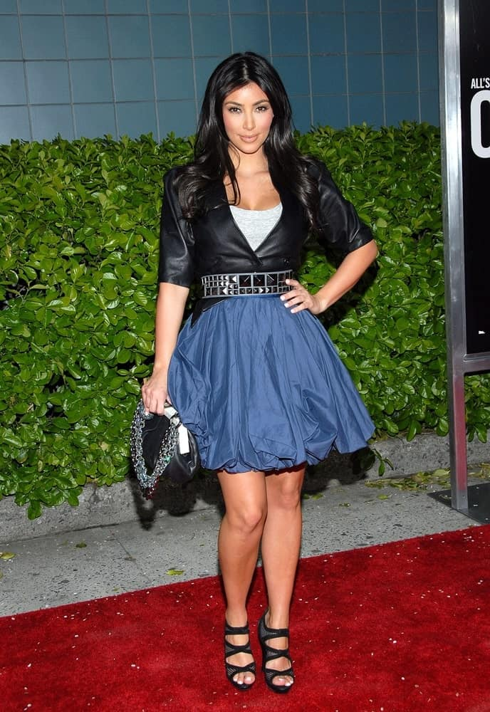 On April 23, 2009, Kim Kardashian went for a girly outfit that's paired with her center-parted waves OBSESSED Premiere in School of Visual Arts Theater, New York.