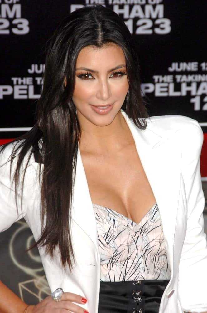 Kim Kardashian flaunted her long loose straight hair with middle parting at The Taking of  Pelham 123 Premiere held last June 4, 2009.