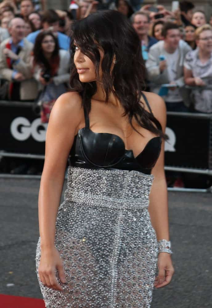 During the GQ Men of the Year awards at The Royal Opera House on September 2, 2014, Kim Kardashian showed off her side-swept waves paired with a sexy form-fitting gown.