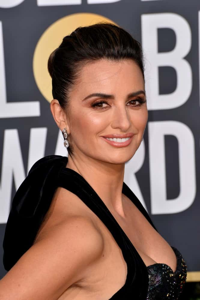 Penelope Cruz pulled back her jet black hair into a neat updo during the 2019 Golden Globe Awards at the Beverly Hilton Hotel on January 6, 2019.